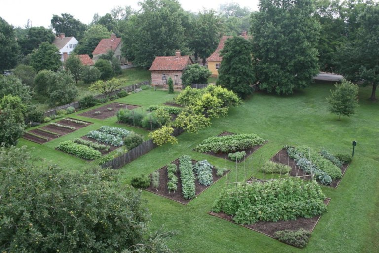 Miksch and Triebel Gardens by Bergstone